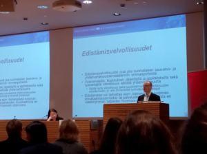 Yhdenvertaisuuslaki ja edistämisvelvollisuudet: Timo Makkonen oikeusministeriöstä esitteli uutta lakia